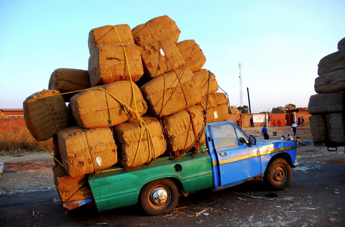 overloaded-pick-up-truck-malawi